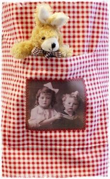 Superlief Kinderschortje, Vintage Afb. Eigen Ontwerp.