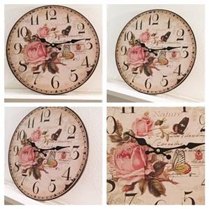 Romantische Klok Met Romantische Rozen En Vlinders 34 Cm. Doorsnee