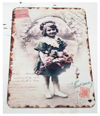 Magneet Vintage Girl With Flowers. (9,5 X 6,5 Cm. )